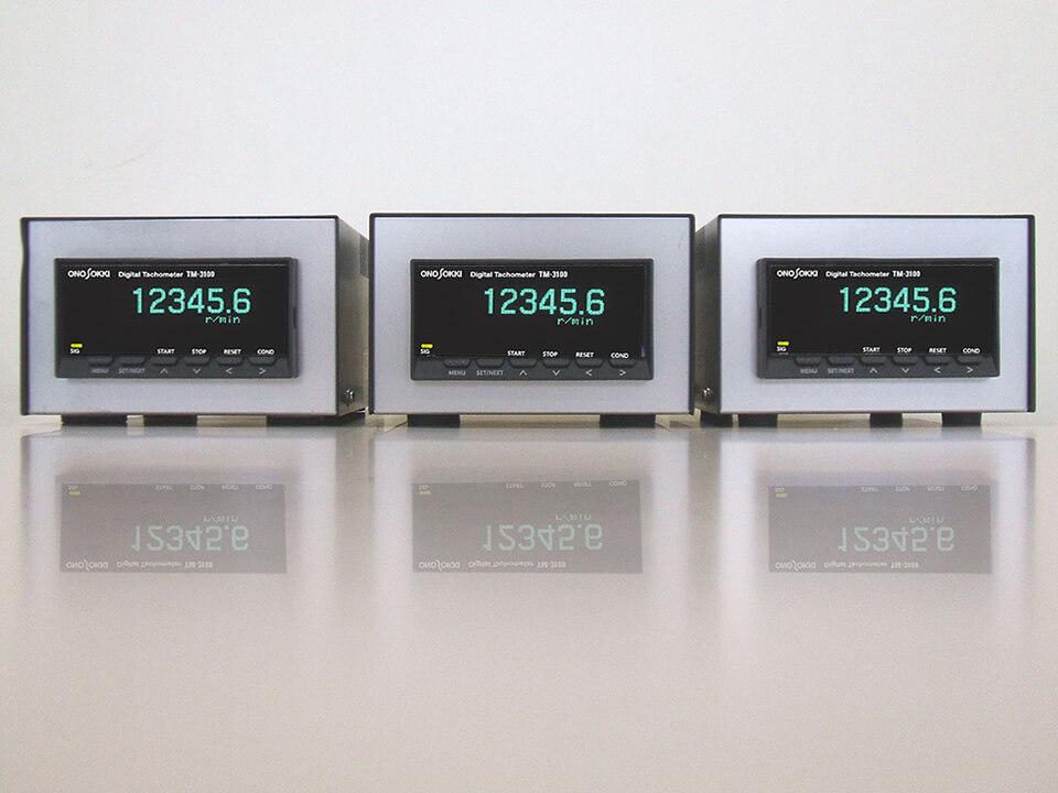 小野測器製 ディジタル回転計 TM-3100