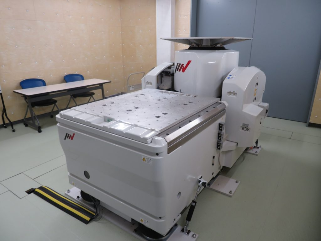 ハイグレードタイプ振動試験装置 型式:A45/SA5HM型
